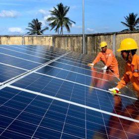 lắp điện mặt trời áp mái