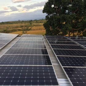 Điện mặt trời trên mái nhà vẫn được khuyến khích đầu tư.