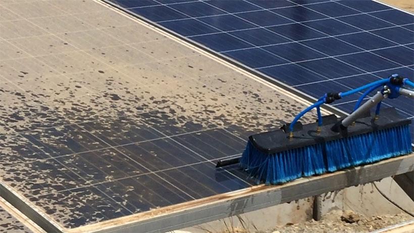 Vệ sinh tấm năng lượng mặt trời như thế nào?